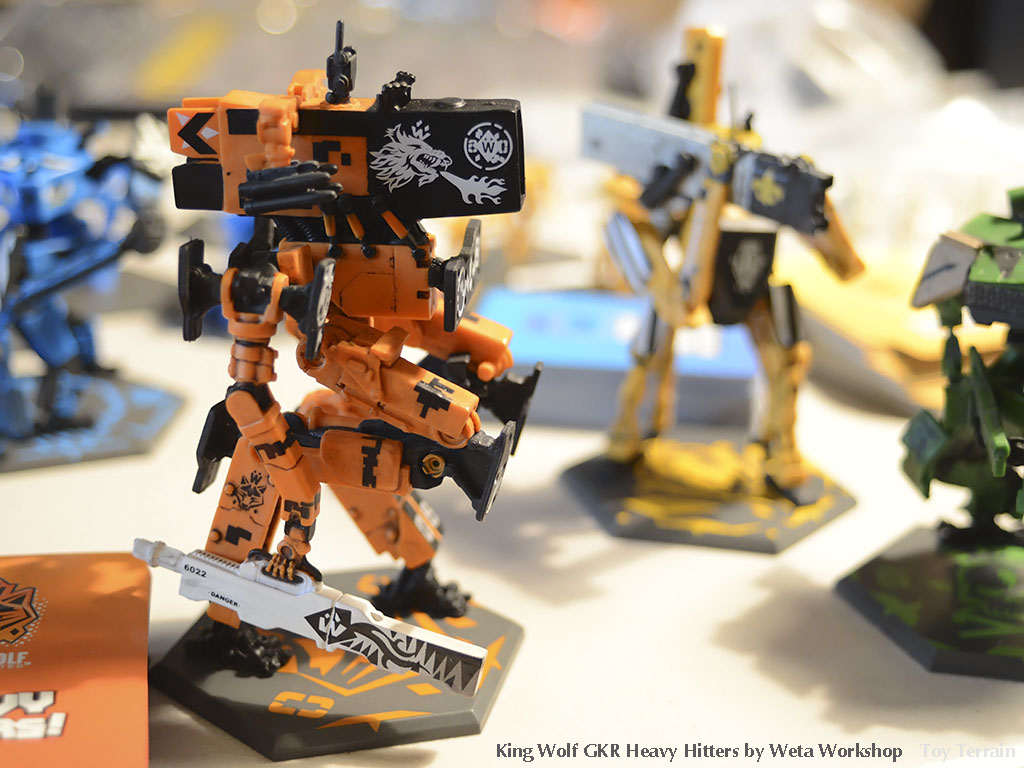 King Wolf, the orange GKR Heavy Hitters robot