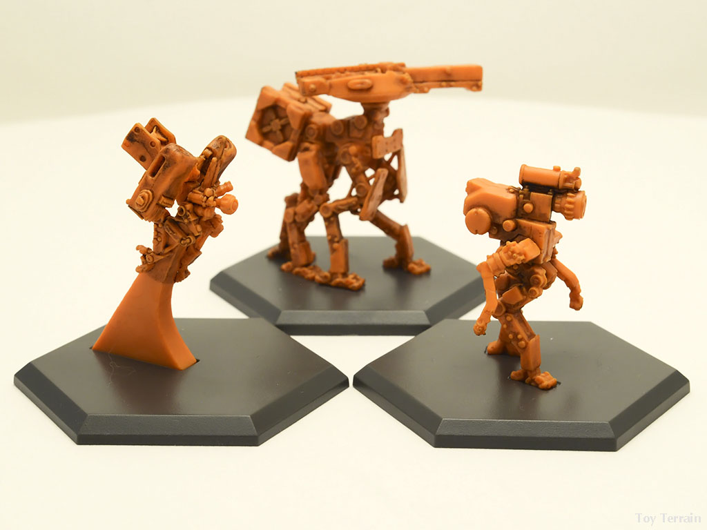 Three small GKR support unit robots figurines